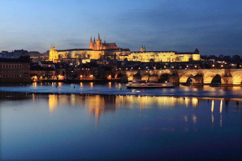 Prag Burg und Karlsbrücke