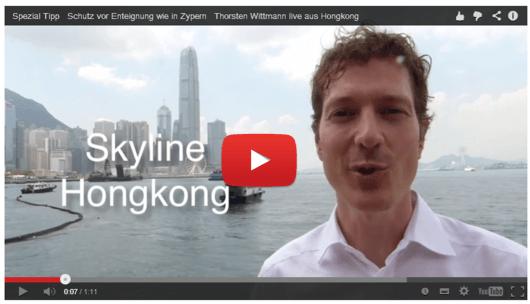 Hongkong Video von Thorsten Wittmann vor der Skyline von Hongkong
